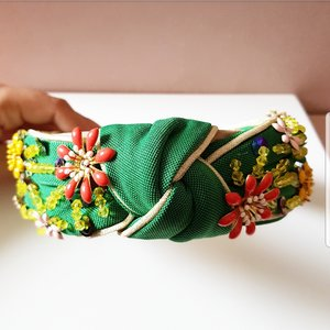 TIARA TURBANTE BORDADA