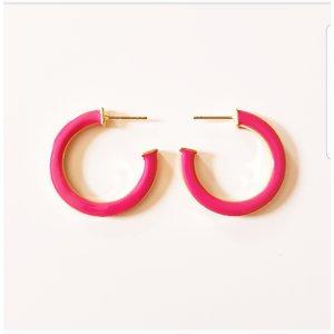Brinco argola esmaltado color coral e pink (olhar as duas fotos)