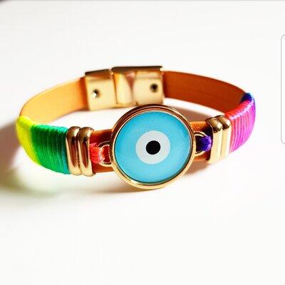 Pulseira de Couro Olho Grego com Tecido Tie Dye e Fecho Ímã
