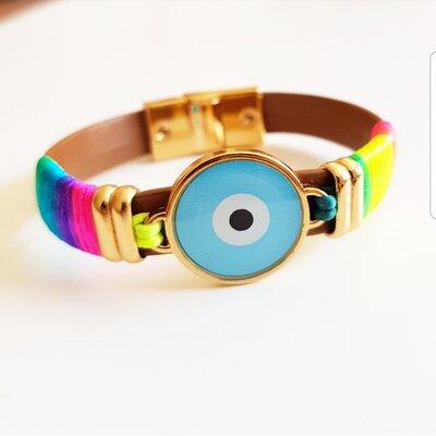 Pulseira de Couro Olho Grego Esmaltado e Tecido Tie Dye com Fecho Ímã