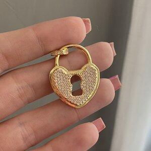 Pingente Cadeado Coração Cravejado Gold