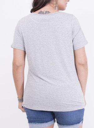 T-shirt em Malha Estampada com Bordado e Frase: