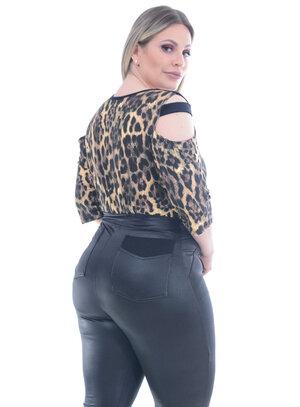 Blusa Recorte Onça Plus Size