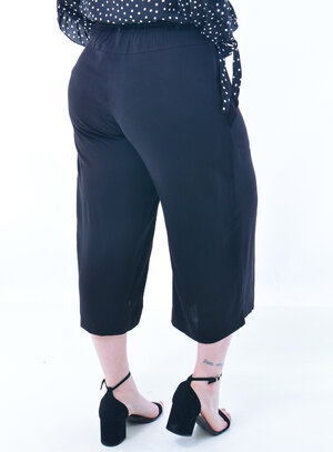 Calça Pantacourt Plus Size Lisa