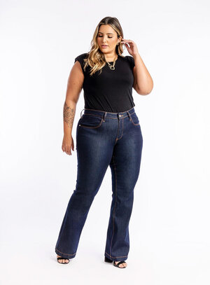 Calça Jeans Plus Size Flare Escura