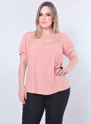 Blusa Plus Size Rendada
