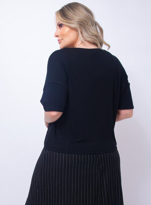 Blusa Plus Size Laço na Barra