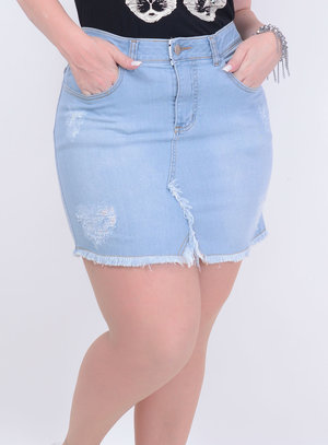 Saia em Jeans Delavê Destroyed com Elástico na Cintura e Barra Desfiada