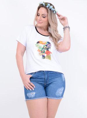 T-shirt em Malha com Aplicação de Tucano e Paetês