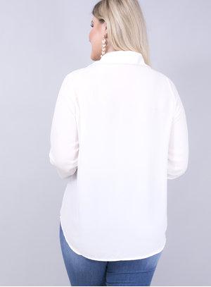 Camisa em Crepe com Aplicação de Strass na Gola e na Manga