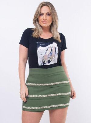 T-Shirt Plus Size Preta com Pérolas