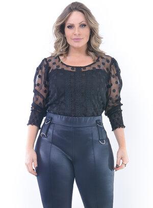 Blusa Plus Size Delicada Preta