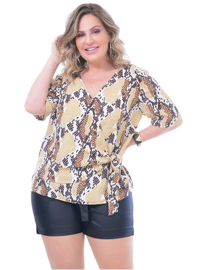 Blusa Plus Size Transpassada Animal Print