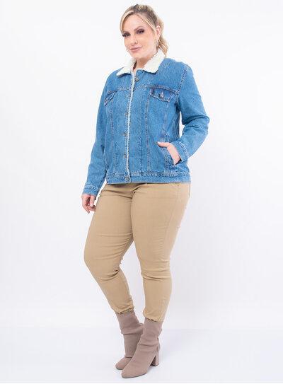 Jaqueta Plus Size Jeans Gola com Pelúcia