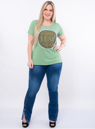 T-Shirt Plus Size Estampada com Pérolas