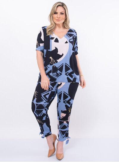 Blusa Plus Size Estampada com Recorte