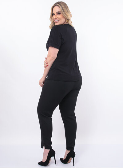 Blusa Plus Size Preta Estampa Frontal