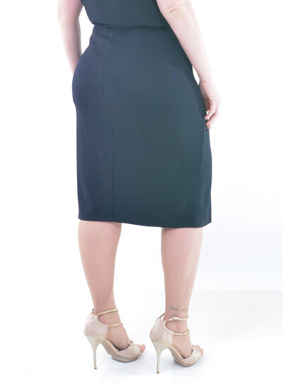 Saia Plus Size Secretária Preta