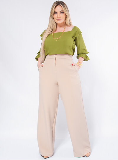 Calça Pantalona Plus Size em Alfaiataria