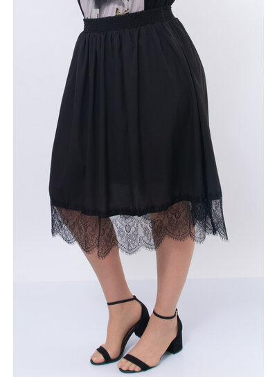 Saia Plus Size Preta com Renda