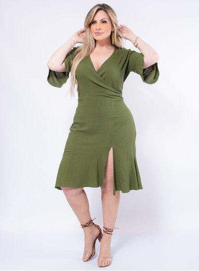 Vestido Plus Size Fenda na Barra