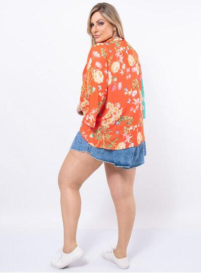 Blusa Plus Size Transpassada Estampada