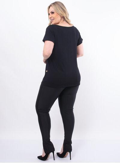 T-Shirt Plus Size Preta Básica