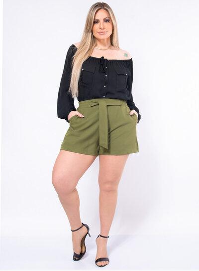 Blusa Plus Size Ombro a Ombro com Botões