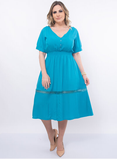 Vestido Plus Size Botões e Renda
