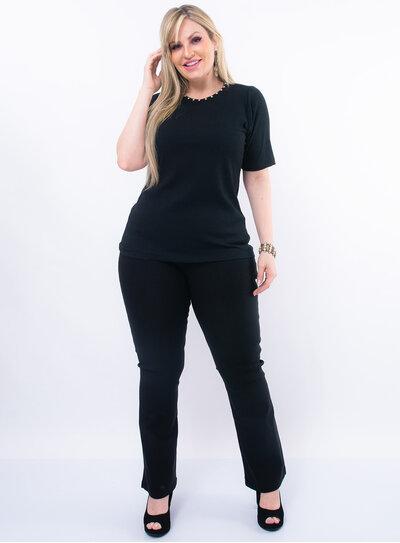Blusa Plus Size Pérolas na Gola