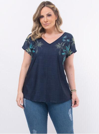 Blusa Plus Size Estampa Frontal