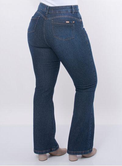 Calça Plus Size Jeans Flare Básica com Bolsos