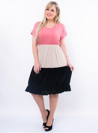 Vestido Plus Size Camadas Tricolor