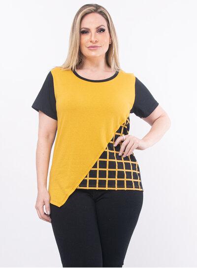 Blusa Plus Size Detalhe em Xadrez