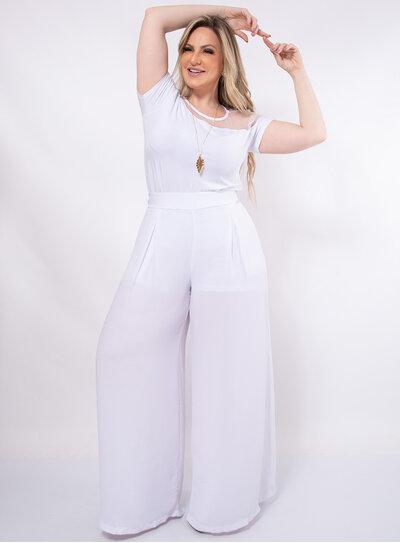 Calça Plus Size Pantalona com Bolsos