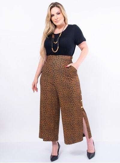 Blusa Plus Size Básica em Malha