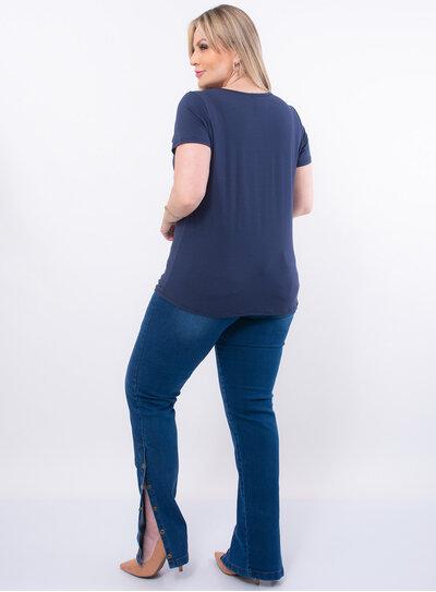 T-Shirt Plus Size Estampada com Pedrarias
