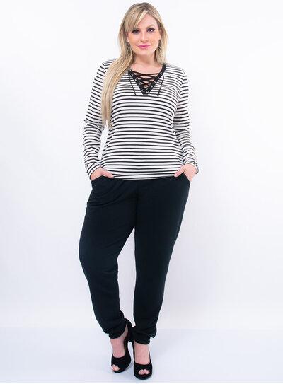 Blusa Plus Size Listrada com Strappy no Decote