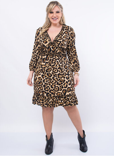 Vestido Plus Size Médio em Animal Print