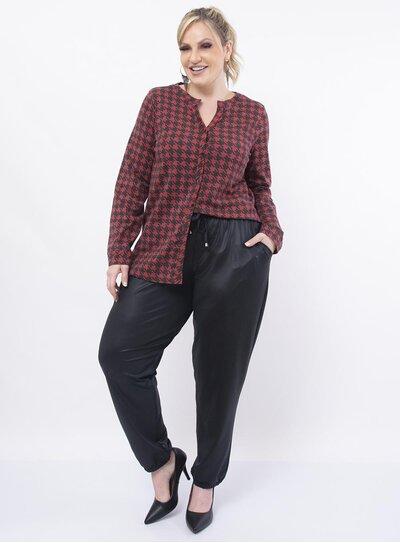 Camisa Plus Size Estampada Mangas Longas com Decote em V