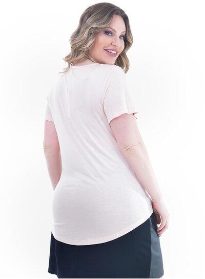 T-Shirt Plus Size Básica Bolso Falso Rosê