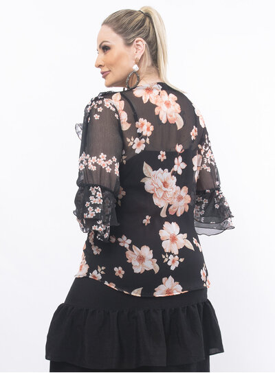 Blusa Plus Size Estampa Floral Preta