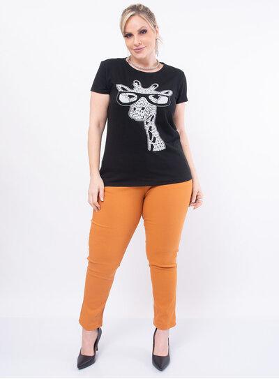 T-Shirt Plus Size Estampa de Girafa