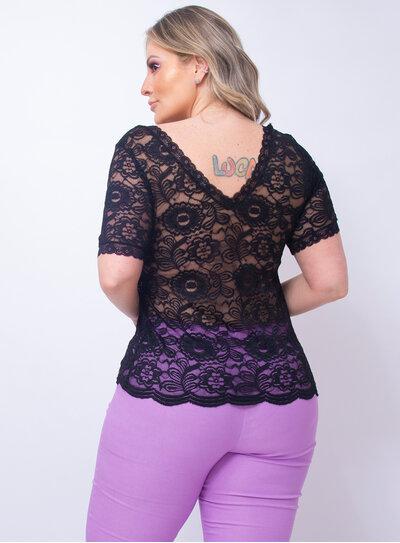 Blusa Plus Size Preta em Renda