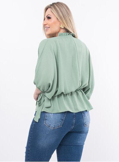 Blusa Plus Size com Decote Transpassado