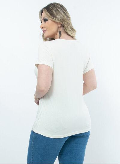 T-Shirt Plus Size Detalhe em Animal Print