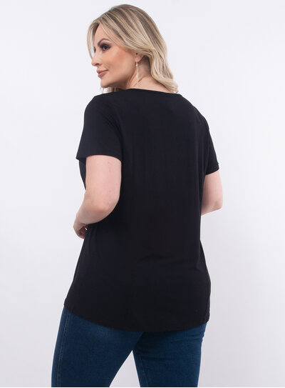 T-Shirt Plus Size Estampa Frontal