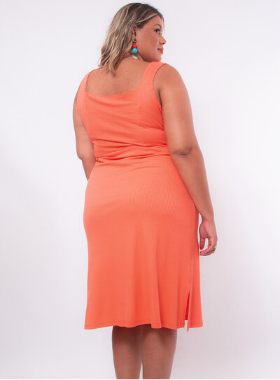 Vestido Plus Size Detalhe em Recorte e Nó