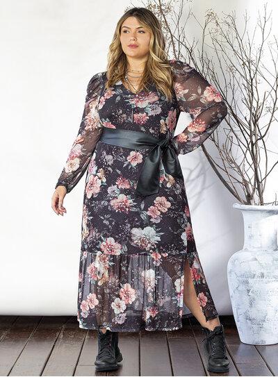 Vestido Plus Size Floral em Tule