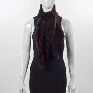 Estola Yves Salomon em vison tricotee preta
